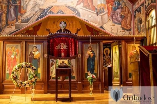 Website Wreath in church (1)